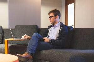Comment trouver un emploi sur Internet ? Quelles sont les techniques à mettre en place ?